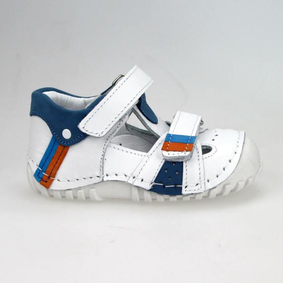 Bolero 133 gyerekcipő 18-24 méretig